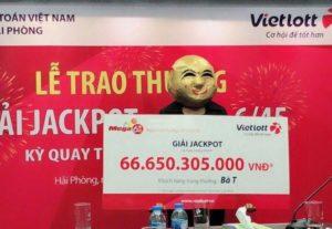 Vietlott trao giải Jackpot 66,6 tỷ đồng cho khách hàng tại Quảng Ninh