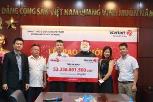 Vietlott trao giải Jackpot trị giá 52,2 tỷ đồng cho khách hàng tại Tp. Hồ Chí Minh